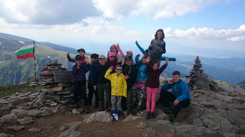 детски лагер Приключенска мисия Рила - на връхМальовица